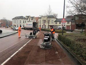 Verhogen van stroefheid | Glad rood asfalt stroef maken | Purmerend